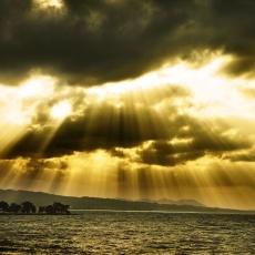 神々しい宍道湖